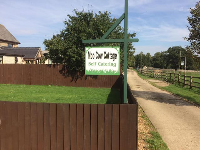 MOO COW COTTAGE  SELF-CATERING - Stretton
