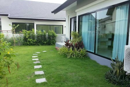Luxury House, Good price and Best Location - Muang Pattaya - Talo