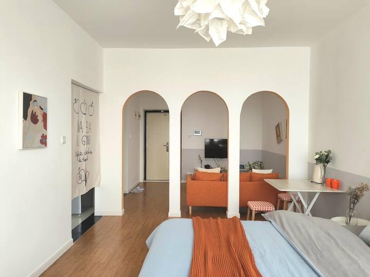 【Moon.House-橘子汽水】-莱茵南岸滨江乳胶床垫夜景北欧艺术套一可做饭 聚会 生日 求婚