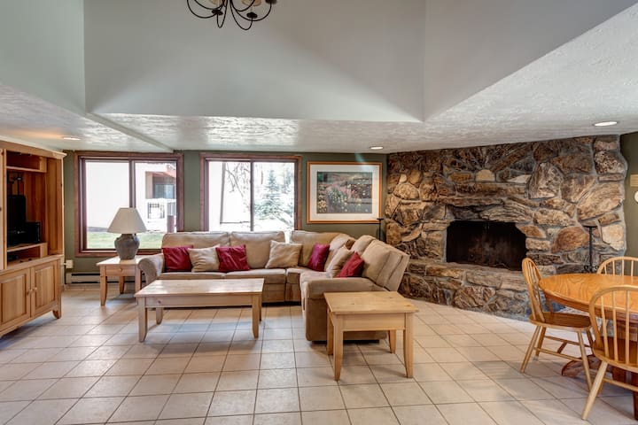 Inside of Club House for extra room/entertaining/relaxing.  Includes TV, Fireplace and eating area.  Please note this area is not connected to the actual rental space of the listing.  It is available from 8 a.m. till 10 p.m.