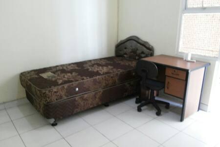 Kamar Kos bersih dan nyaman