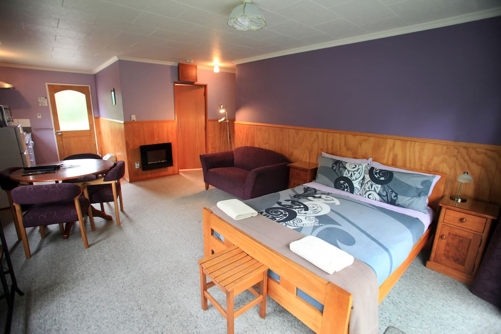 Double Bed in Lounge