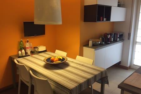 Gino's  location - Conegliano - Lägenhet