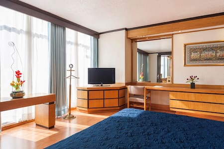 Master Bedroom. King size bed.