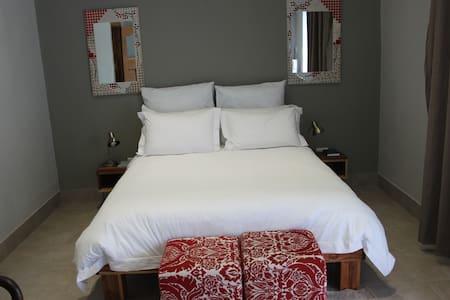 Modern twin bed apartment. - Colesberg - Bed & Breakfast