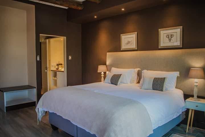 Yabelana Bedroom super king bed or 2 single bed