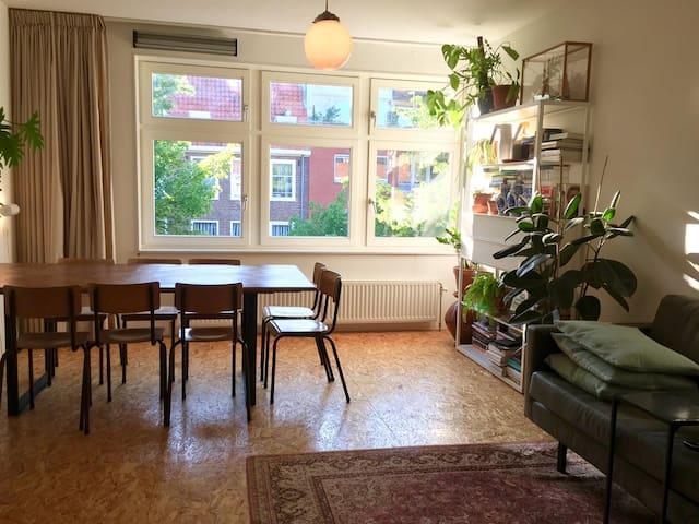 Nice appartement in VIBRANT neighbourhood