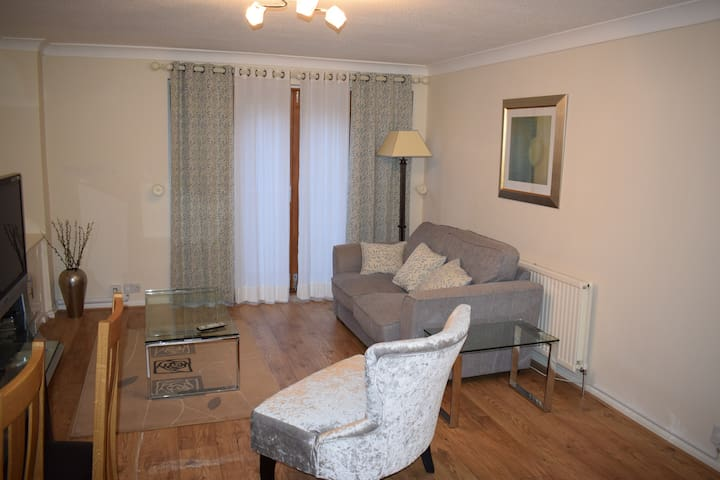 The Oaks - Staines-upon-Thames - Huoneisto
