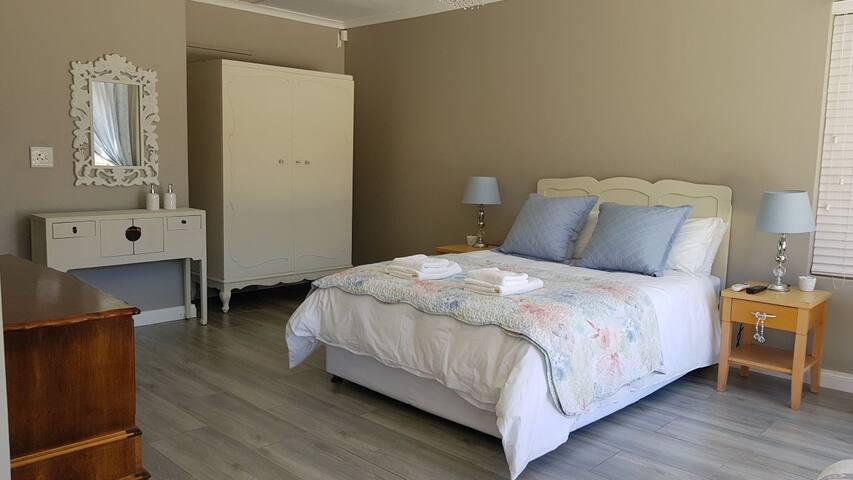 De Bergen Luxury Ensuite Suite Guest Room #3