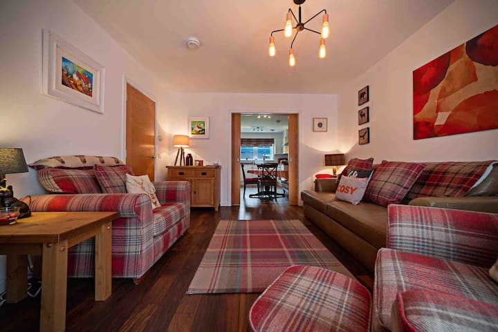 Beautiful new-build apartment in Aviemore