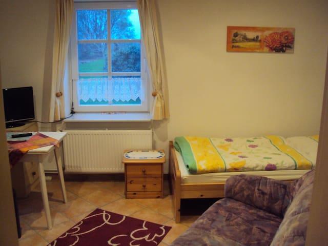 Einzelzimmer Jork südl. von Hamburg - Jork - Dům