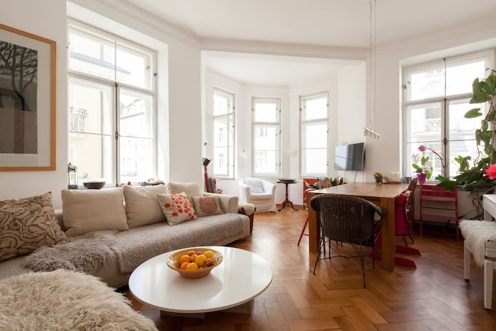 Spacious, central + beautifuyl flat - München - Appartement