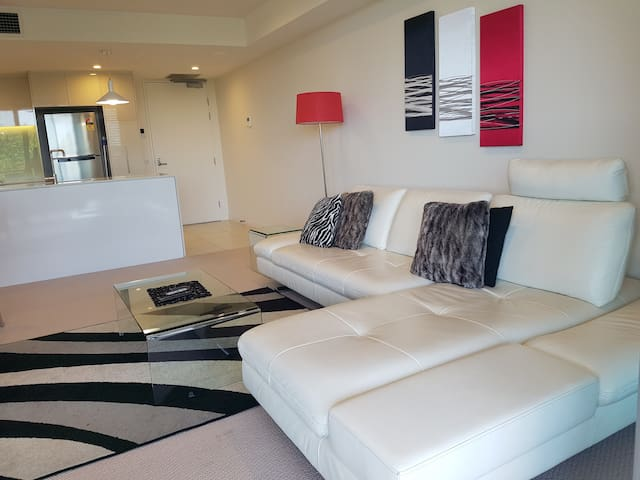 City Fringe Exec 2 bedroom apartment with ensuite - Reid - Appartement