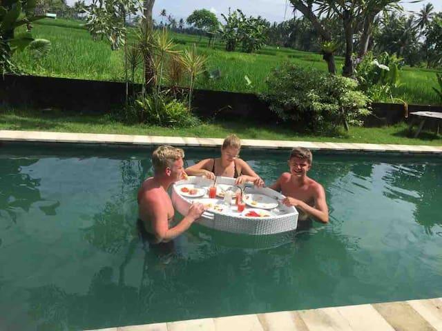 Spacious 2bedrooms Private Pool Floating Breakfast