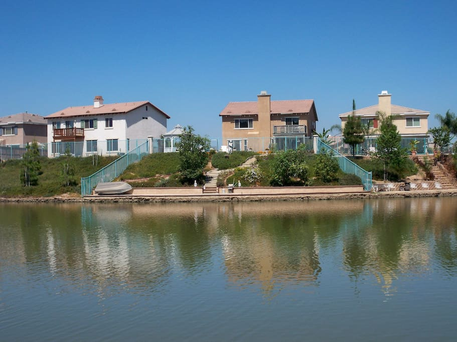 Canal side home with kayaks houses for rent in moreno for Heritage motors casa grande florence