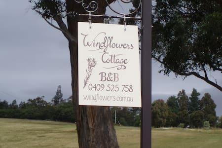 Windflowers Cottage B&B - Lower Wattle Grove - Wikt i opierunek