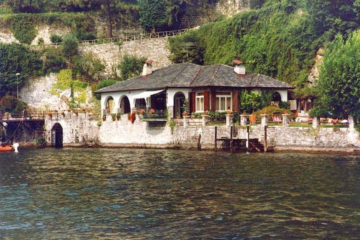 front lake accomodation