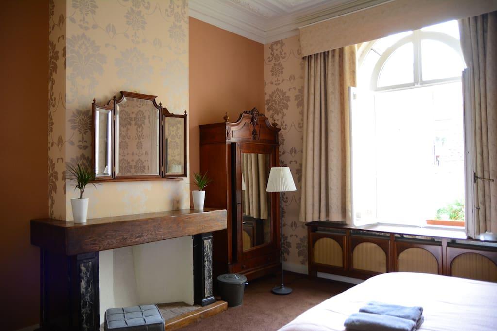 Classy flat by the metro central and prestigious appartements louer bruxelles bruxelles - Flat meuble a louer bruxelles ...