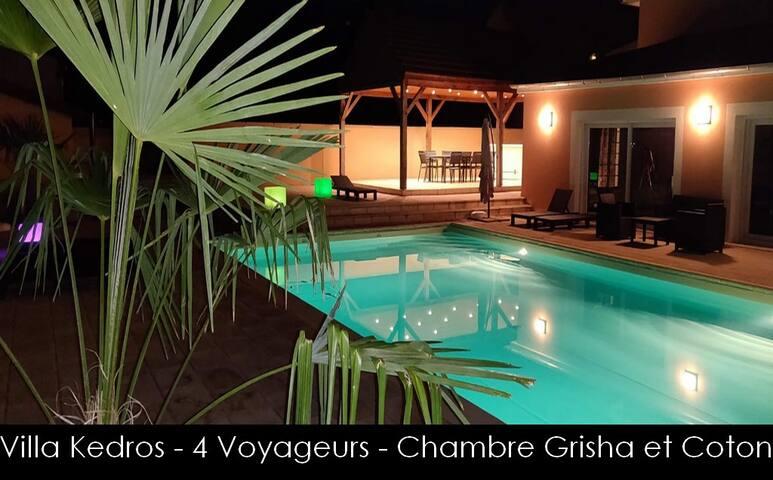2 Chambres avec SPA et piscine aux portes de Dijon