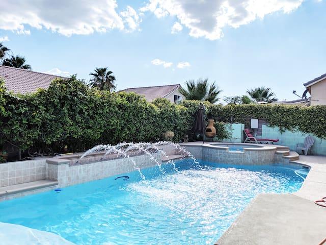 Modern & Stunning Single Floor Estate with Pool!