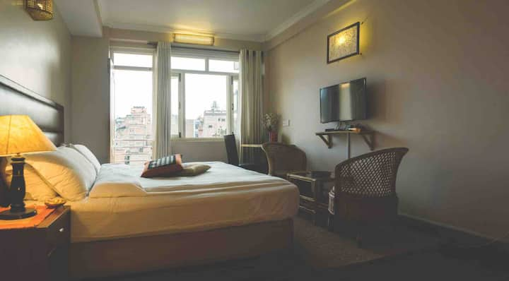 Quiet Spacious Room in Patan