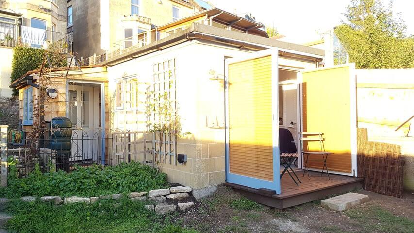 Sunny Garden Studio Annex