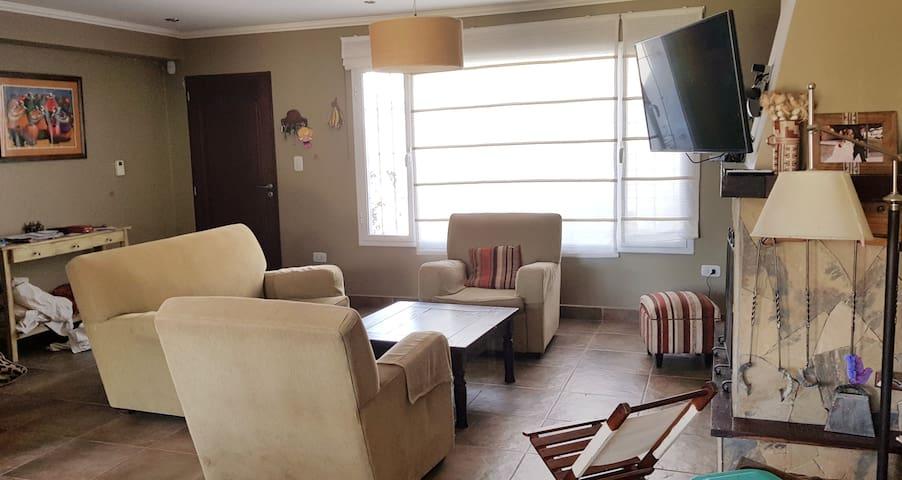 Comenta sobre tus vivencias en Salta, en un cómodo y acogedor entorno, con la frescura y luminosidad de Posada el Limonero.