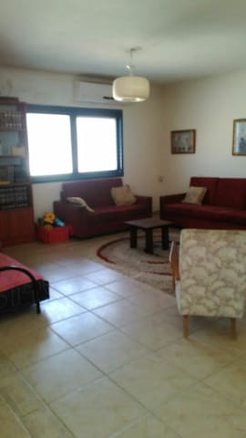 Cozy cottage, pastoral Neighborhood - Pardes Hanna-Karkur - Talo