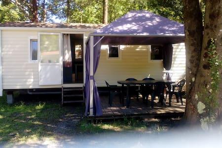 Mobil home dans petit camping dans les Cévennes