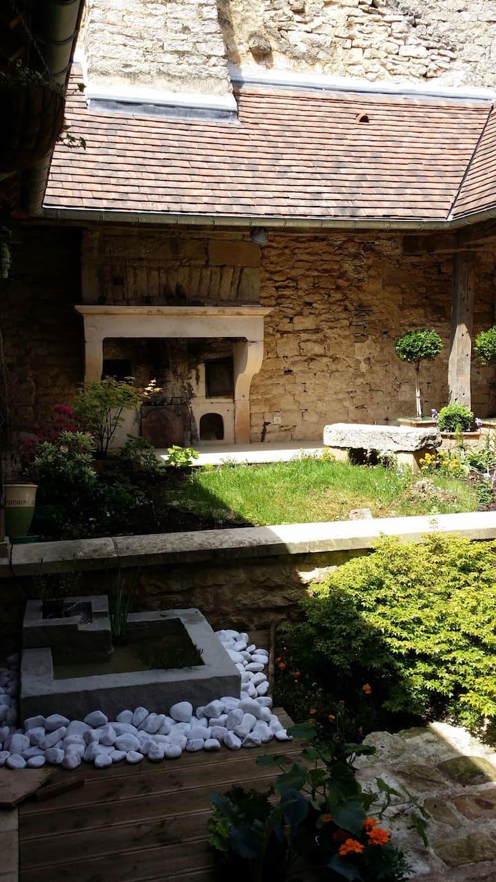 """Maison de charme et """"jardin secret"""""""
