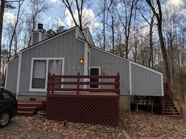 Cozy house close to 15-501