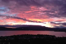 Centrally located to Hobart city centre, airport and tourist attractions