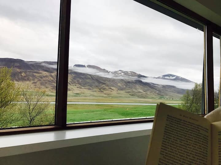 Room With a View (1) - Steinnes