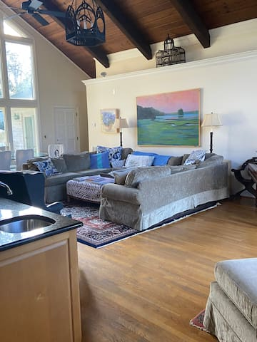 Southpark home with Pool, 10 min to Uptown