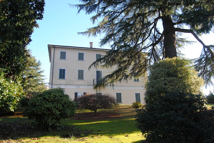 FANTASTICA VILLA NEL VERDE - Orta San Giulio - House