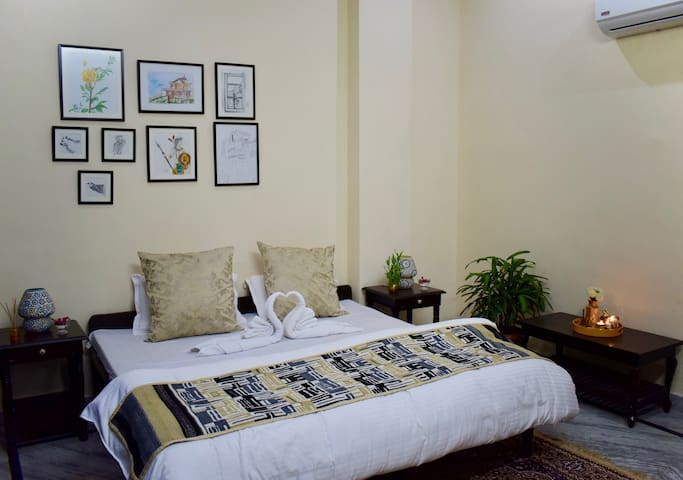 Affordable Luxury BR | 5 Min Walk to Metro Station