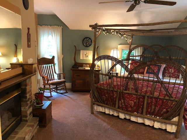 Helen's Summer Room at the Crystal River Inn