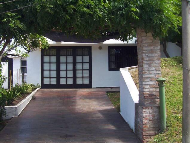 Casa en barrio jardín - Punta del Este