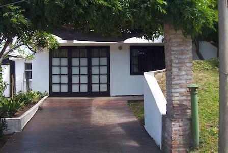 Casa a 4 cuadras de la playa - Punta del Este - Haus