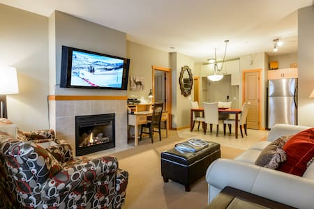 Cozy Canmore Get-away in The Lodges at Canmore - แคนมอร์ - (ไม่ทราบ)
