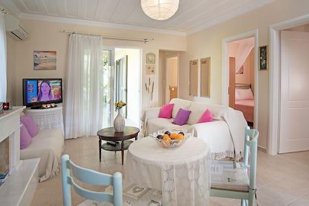 Lefkada wonderful Summer House near the beach!