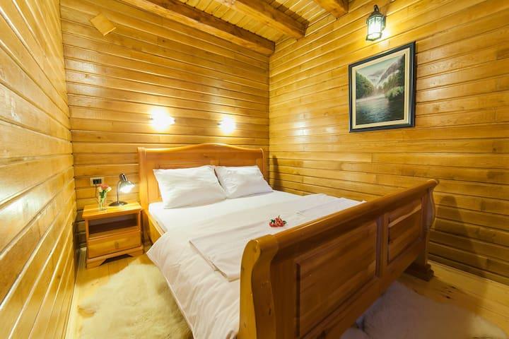 Gacka - Relaxing One Bedroom Cottage with Balcony