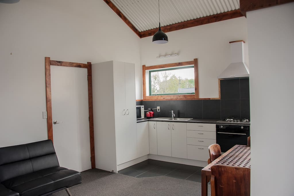 Self contained with Kitchen and Pantry, Gas cooker and oven