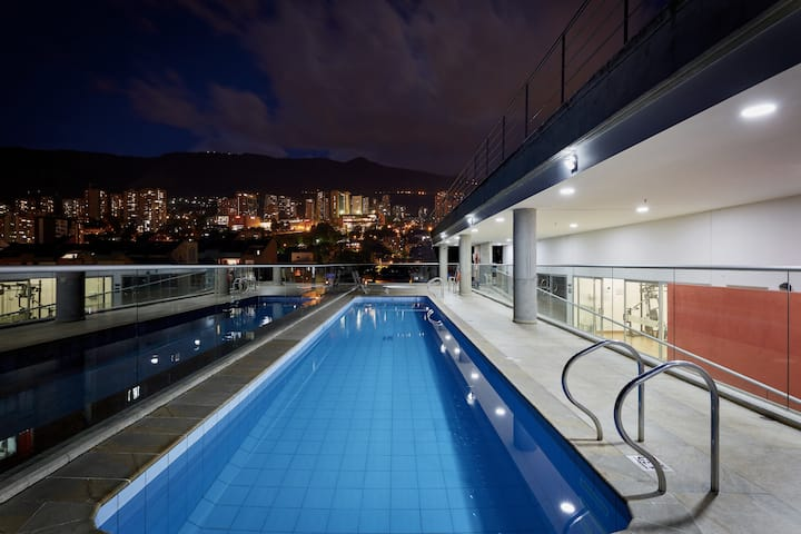 Soul ✔406✔ Bright Balcony, King bed, Rooftop pool