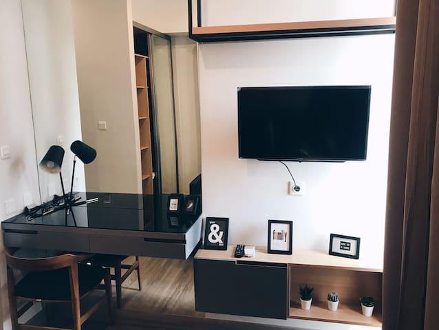 Cozy studio apartment - TAMAN ANGGREK RESIDENCE