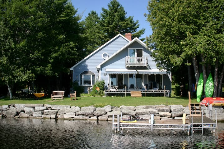 Waterfront home on Grand Lake, great for families!