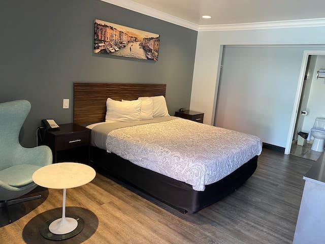 MacStay I Hotel Room On Colorado Blvd I King Bed