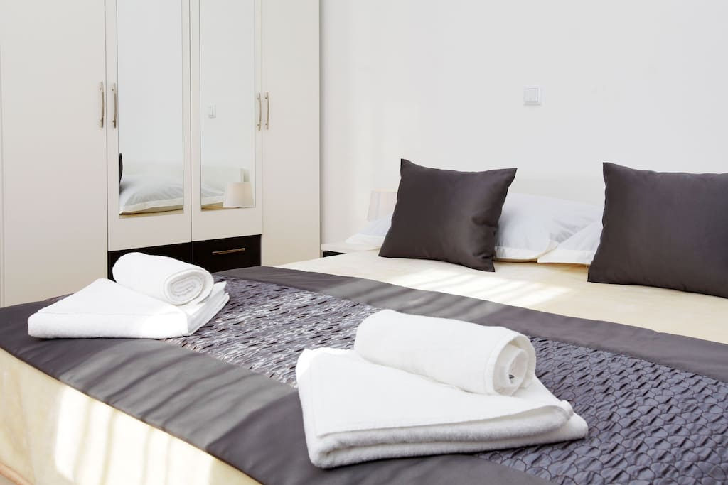 bedroom nr. 1 with double bed