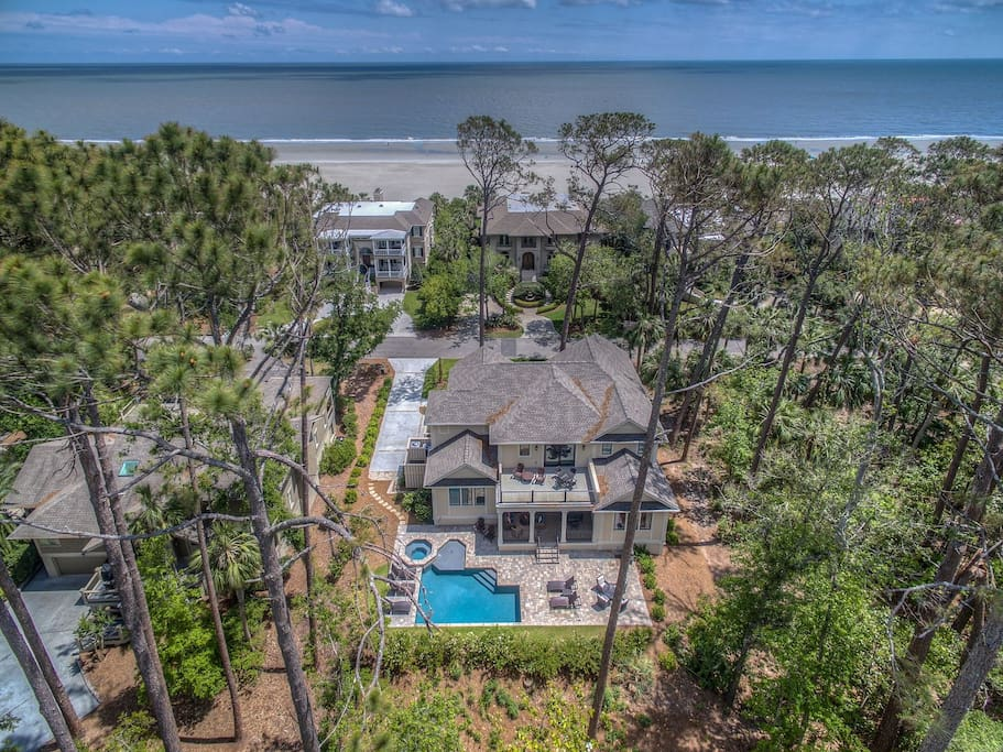 6 Armada is a Beautiful 2nd Row Ocean Home Listen to the Waves from the Home