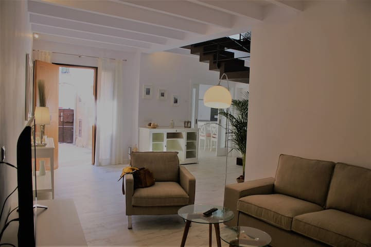 ES RACO, A NEW AND REFURBISHED HOUSE IN COSTITX - Costitx - Casa